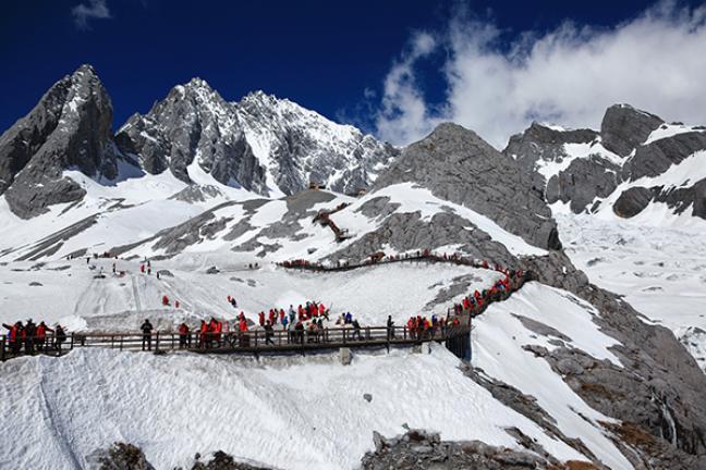 ทัวร์จีน มหัศจรรย์ ลี่เจียง ภูเขาหิมะมังกรหยก - สะพานแก้ว