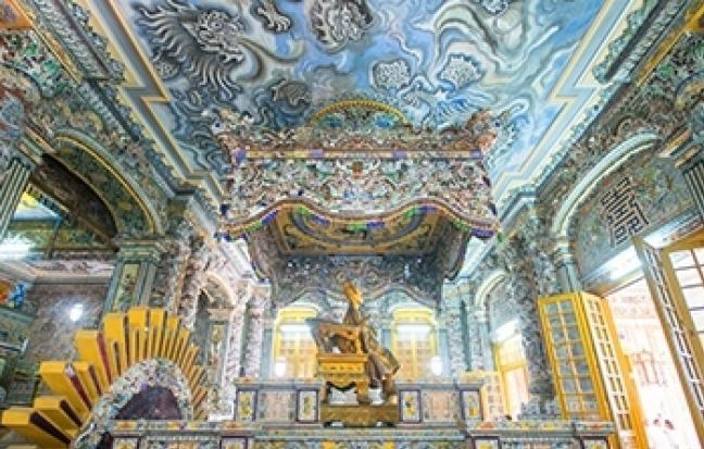 ทัวร์เวียดนามกลาง เทศกาลปีใหม่  เว้ ดานัง ฮอยอัน พักบานาฮิลล์ ซุปตาร์.. บานาฮิลล์ ส.ค.ส. สวีทฮาร์ท